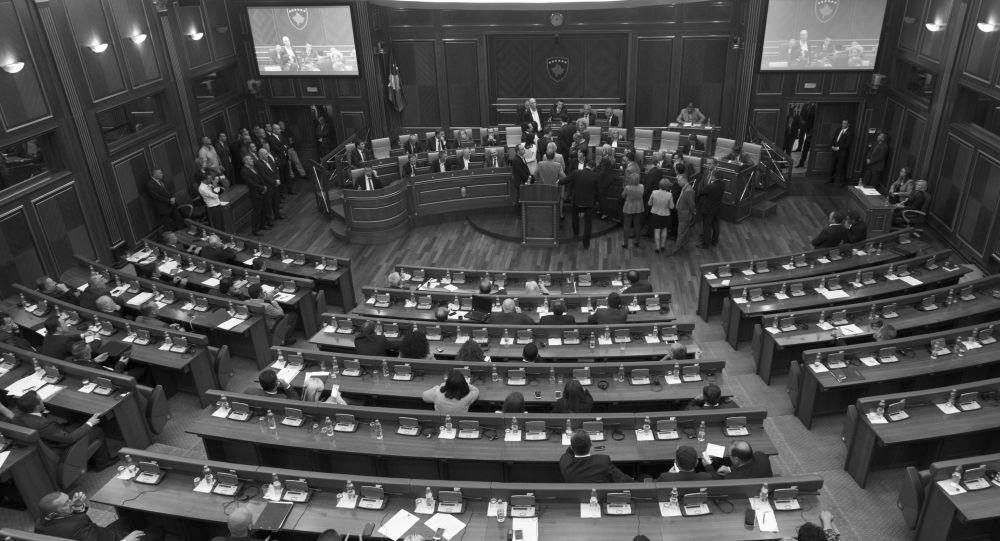 بررسی چگونگی ائتلاف احزاب پارلمان در چارچوب تعدیل هندسی