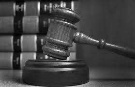 عدالت در بستر مجادلات تاریخمندی و فراتاریخمندگرایی